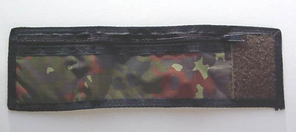 Armbandbörse mit Klettverschluss