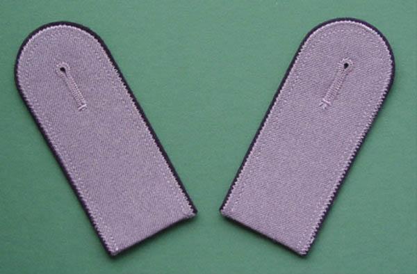Schulterstücke (Uniformjacke), Bw grau mit schwarzer Umrandung..