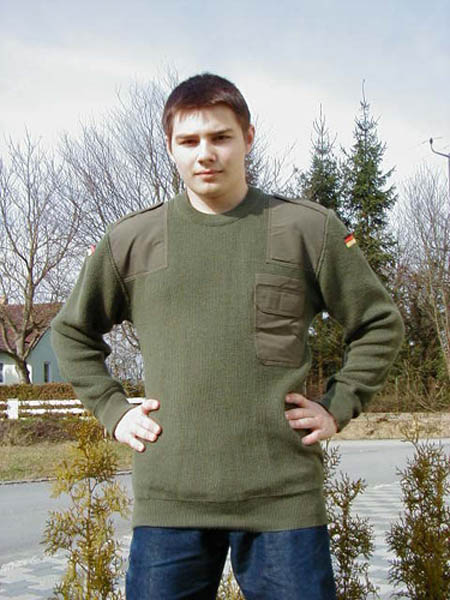 Pullover, orig. Bw oliv neu