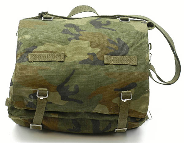 Kampftasche mit Tragegurt, Bw Imit. groß woodland neu