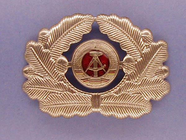 Mützenabzeichen, NVA Offiziere neu